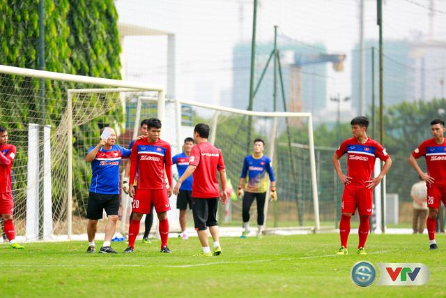 ẢNH: ĐT Việt Nam tích cực luyện tập chờ ngày tái đấu ĐT Afghanistan - Ảnh 42.