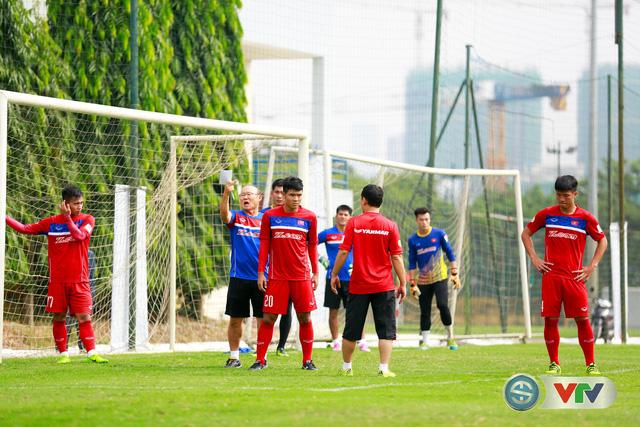 ẢNH: ĐT Việt Nam tích cực luyện tập chờ ngày tái đấu ĐT Afghanistan - Ảnh 41.