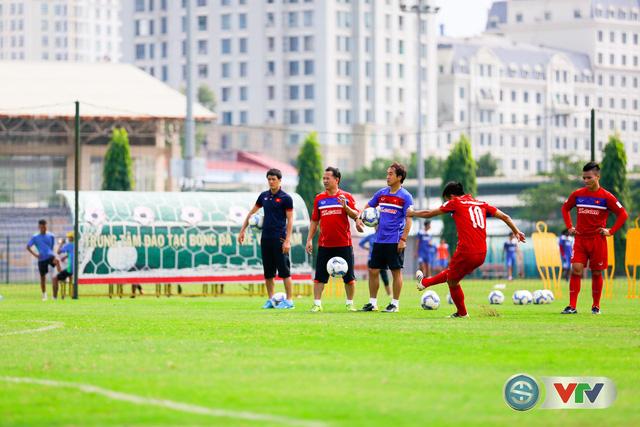 ẢNH: ĐT Việt Nam tích cực luyện tập chờ ngày tái đấu ĐT Afghanistan - Ảnh 48.