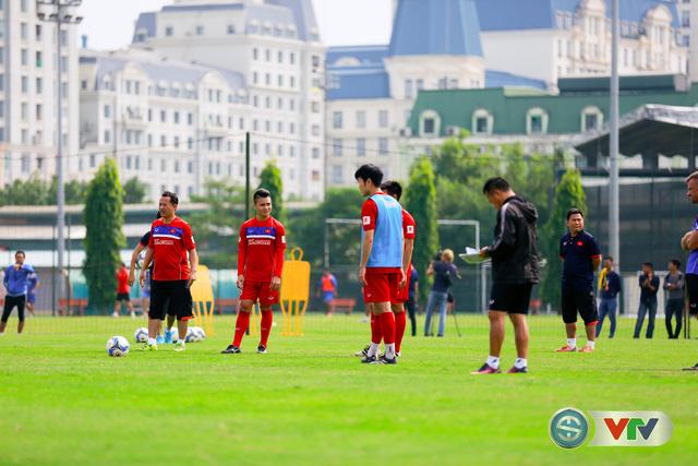 ẢNH: ĐT Việt Nam tích cực luyện tập chờ ngày tái đấu ĐT Afghanistan - Ảnh 47.