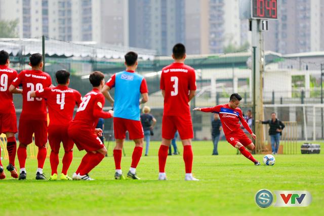 ẢNH: ĐT Việt Nam tích cực luyện tập chờ ngày tái đấu ĐT Afghanistan - Ảnh 45.