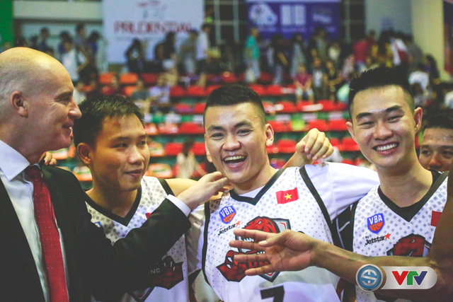 Xúc động hình ảnh tình đồng đội tại Thang Long Warriors - Ảnh 5.