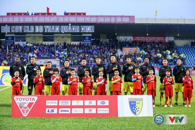 ẢNH: CLB Hà Nội đánh rơi chức vô địch trên sân Cẩm Phả - Ảnh 1.