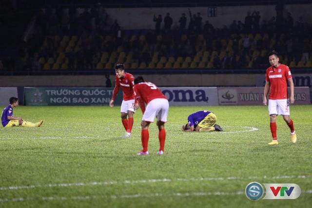 ẢNH: CLB Hà Nội đánh rơi chức vô địch trên sân Cẩm Phả - Ảnh 15.
