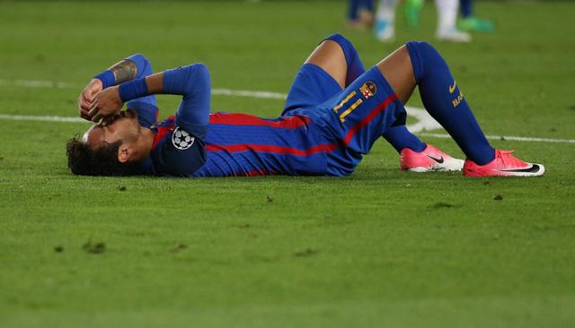Chùm ảnh: Các cầu thủ Barcelona gục ngã nhìn Juventus vào bán kết - Ảnh 3.