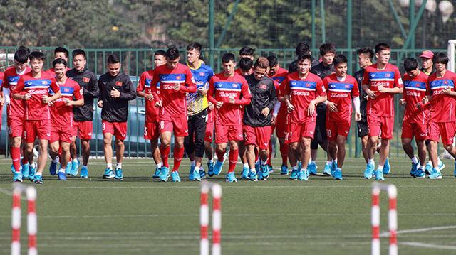 ĐT U23 Việt Nam tập chiến thuật đội hình mới - Ảnh 1.