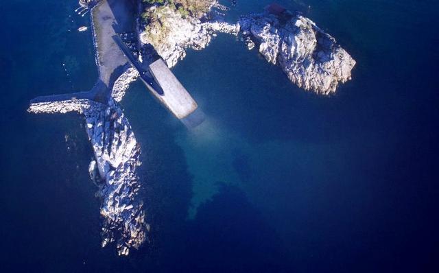 Nhà hàng dưới biển đầu tiên của châu Âu tại Na Uy - Ảnh 1.