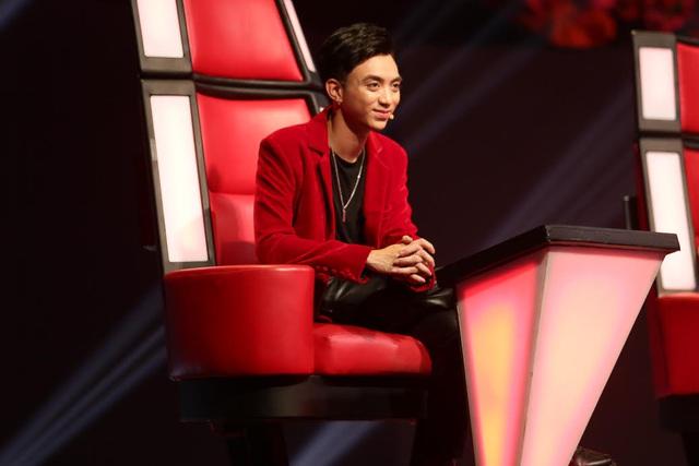 Giọng hát Việt nhí: Soobin Hoàng Sơn được đặt lên bàn cân với G-Dragon - ảnh 2