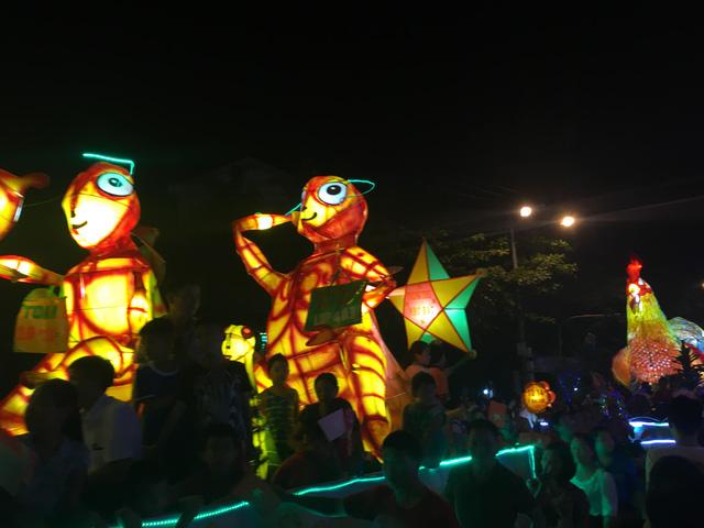Tuyên Quang rực rỡ sắc màu trung thu với lễ hội lồng đèn khổng lồ - Ảnh 9.