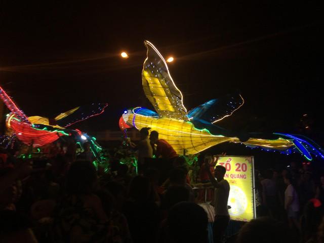 Tuyên Quang rực rỡ sắc màu trung thu với lễ hội lồng đèn khổng lồ - Ảnh 8.
