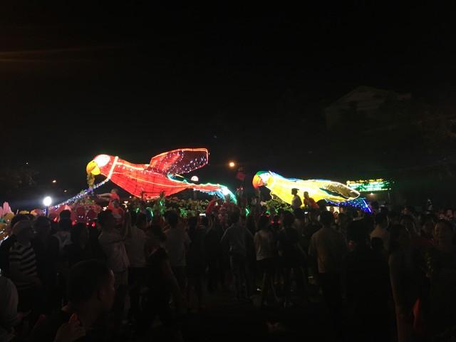 Tuyên Quang rực rỡ sắc màu trung thu với lễ hội lồng đèn khổng lồ - Ảnh 7.