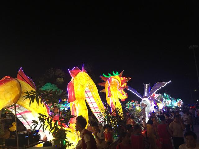 Tuyên Quang rực rỡ sắc màu trung thu với lễ hội lồng đèn khổng lồ - Ảnh 6.