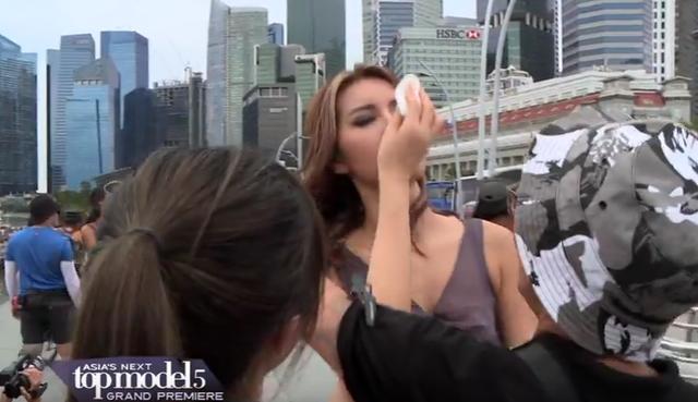 Đại diện Việt Nam ngất xỉu bên trai đẹp ở Asias Next Top Model - Ảnh 3.