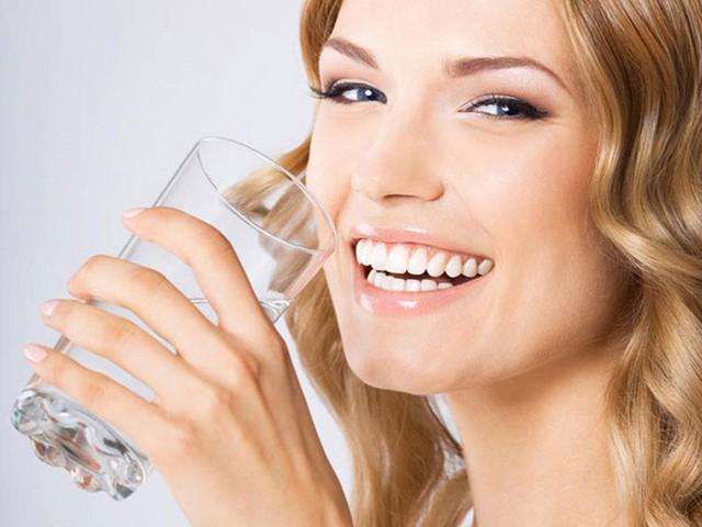 Uống nước trong bữa ăn gây hại như thế nào? - Ảnh 3.