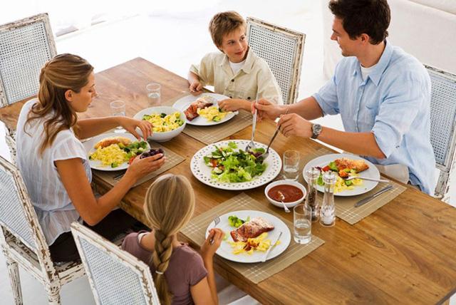 Uống nước trong bữa ăn gây hại như thế nào? - Ảnh 4.