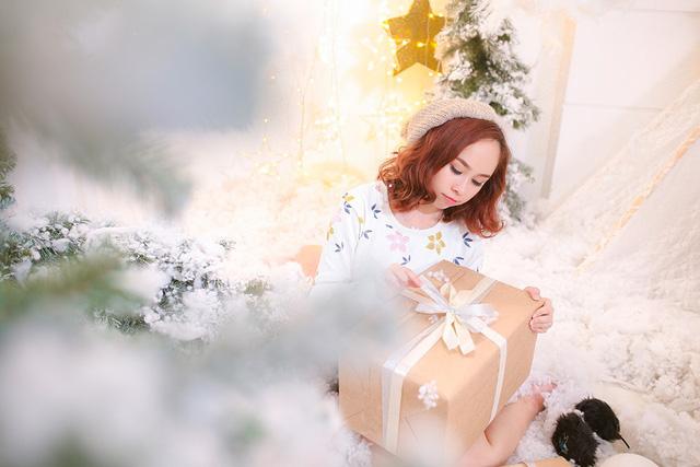 Bố con Yên Lam - Bào Ngư làm mới ca khúc loạt ca khúc Giáng Sinh kinh điển - Ảnh 2.