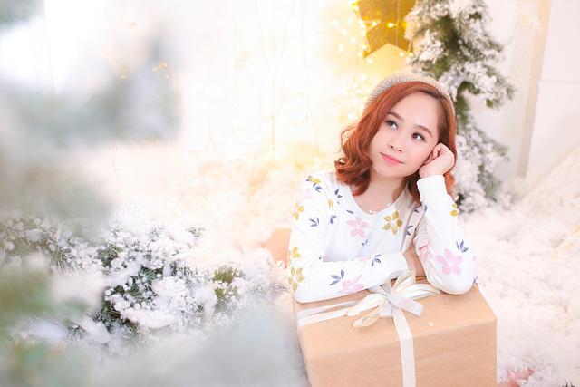 Bố con Yên Lam - Bào Ngư làm mới ca khúc loạt ca khúc Giáng Sinh kinh điển - Ảnh 3.