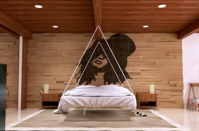 Những gợi ý cho phòng ngủ vừa sang trọng vừa hiện đại với nội thất bằng gỗ - Ảnh 11.