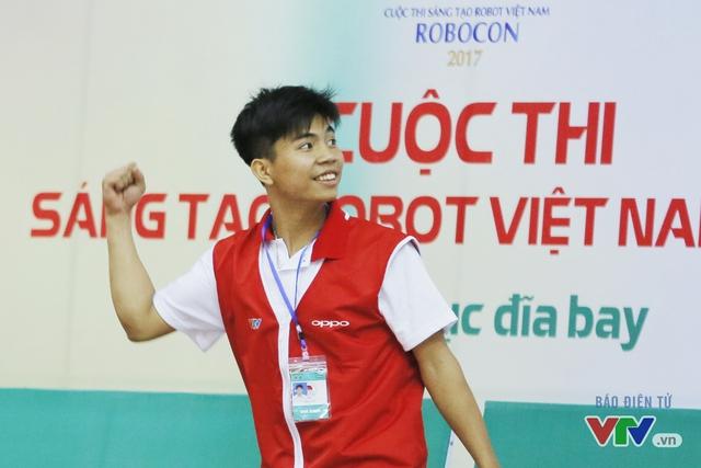 """Robocon Việt Nam 2017: """"Nghẹt thở"""" với những màn cản phá trên sân - Ảnh 23."""