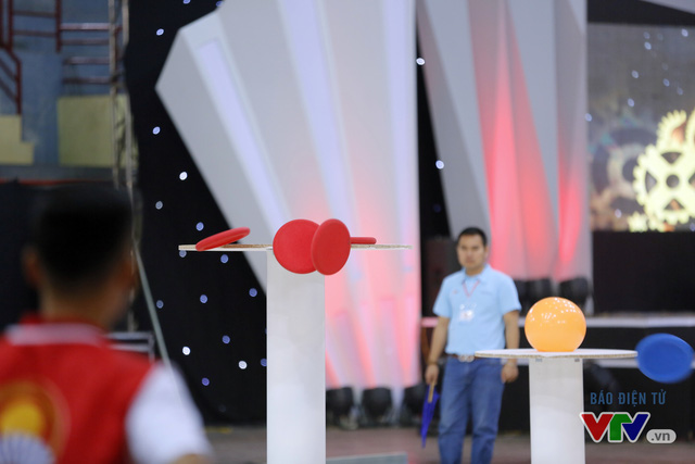 """Robocon Việt Nam 2017: """"Nghẹt thở"""" với những màn cản phá trên sân - Ảnh 27."""