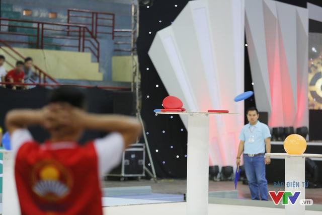 """Robocon Việt Nam 2017: """"Nghẹt thở"""" với những màn cản phá trên sân - Ảnh 41."""