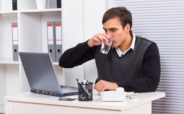Những bí kíp giúp bạn luôn có sức khỏe tốt ở môi trường công sở - Ảnh 5.