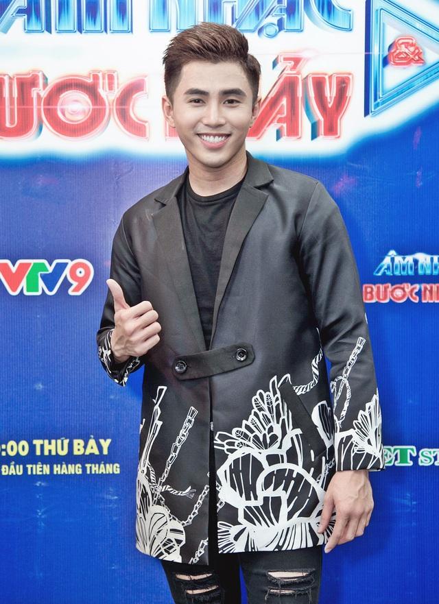 Âm nhạc và Bước nhảy: Búp bê Thanh Thảo tình tứ bên bạn trai Việt kiều - Ảnh 11.