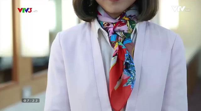 Sang chảnh, thanh lịch nơi công sở với muôn kiểu thắt khăn lụa - Ảnh 8.