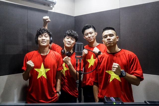 Nhóm Oplus tung ca khúc mới cổ vũ U23 Việt Nam - Ảnh 1.
