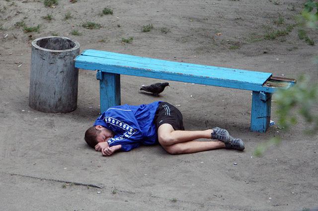 Nhiếp ảnh gia 10 năm chỉ chụp 1 chiếc ghế băng công viên - Ảnh 9.
