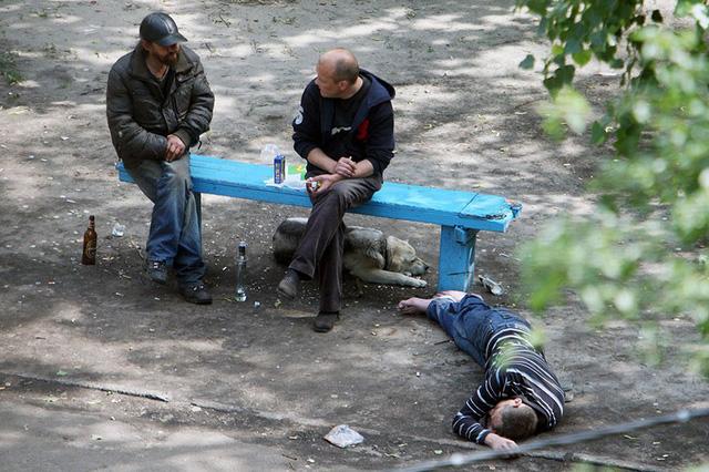 Nhiếp ảnh gia 10 năm chỉ chụp 1 chiếc ghế băng công viên - Ảnh 8.