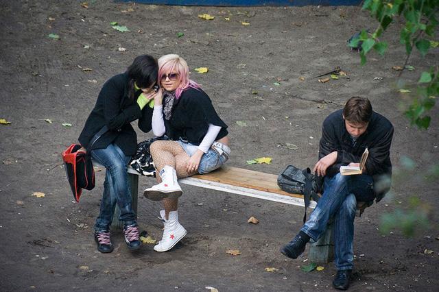 Nhiếp ảnh gia 10 năm chỉ chụp 1 chiếc ghế băng công viên - Ảnh 7.