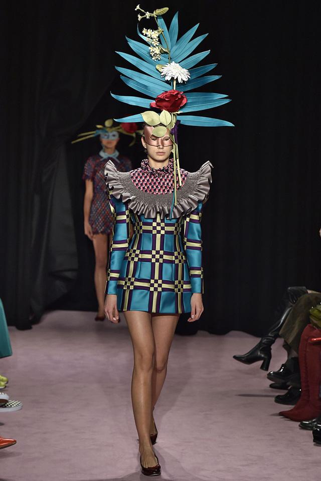 Những thiết kế độc nhất vô nhị tại Tuần lễ thời trang cao cấp Paris - Ảnh 4.