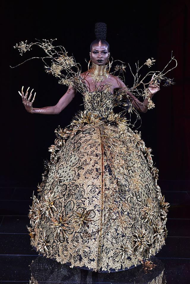 Những thiết kế độc nhất vô nhị tại Tuần lễ thời trang cao cấp Paris - Ảnh 1.