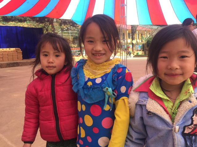 Tết đến sớm với các em học sinh dân tộc Mông - Ảnh 16.