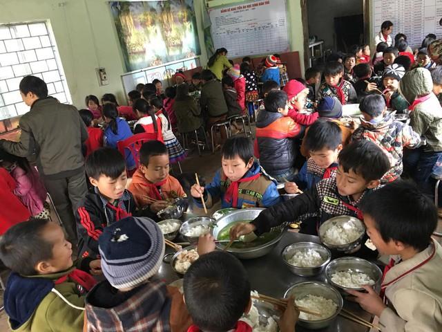 Tết đến sớm với các em học sinh dân tộc Mông - Ảnh 18.