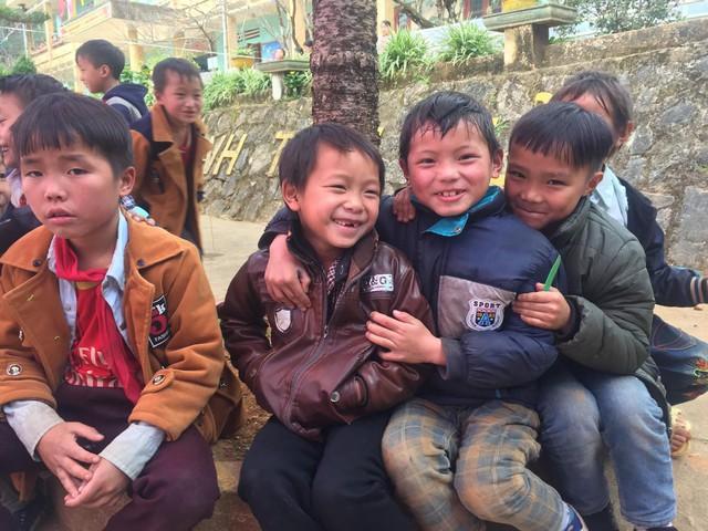 Tết đến sớm với các em học sinh dân tộc Mông - Ảnh 17.