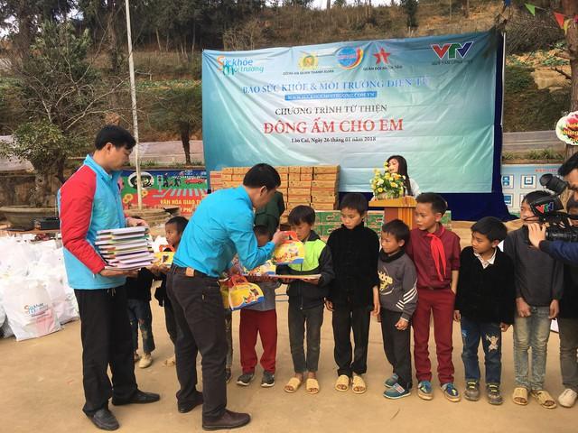 Tết đến sớm với các em học sinh dân tộc Mông - Ảnh 5.