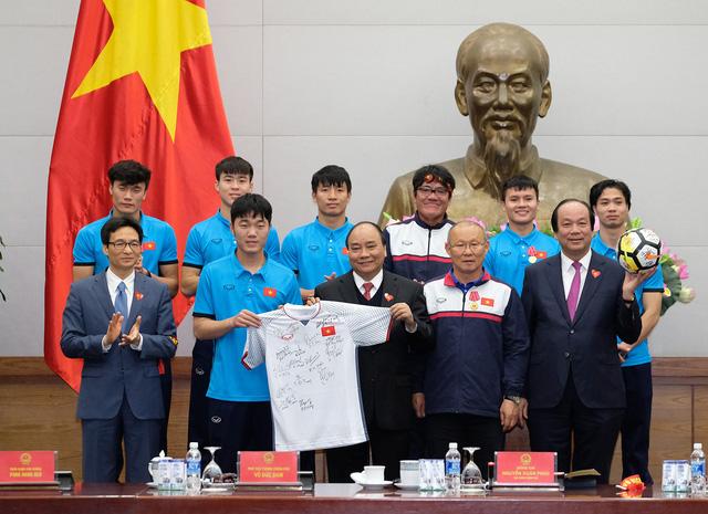 Thủ tướng Chính phủ Nguyễn Xuân Phúc gặp mặt ĐT U23 Việt Nam - Ảnh 9.