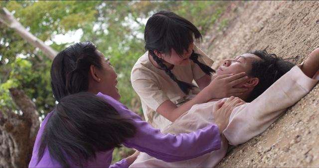 Phim Mộng phù hoa - Tập 1: Ba Trang đau đớn chịu cảnh tang cha mẹ khi mới lên 10 - ảnh 4