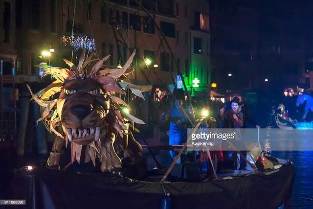 Ấn tượng lễ hội hóa trang Venice 2018 - Ảnh 10.