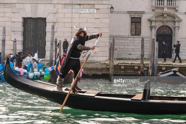 Ấn tượng lễ hội hóa trang Venice 2018 - Ảnh 2.