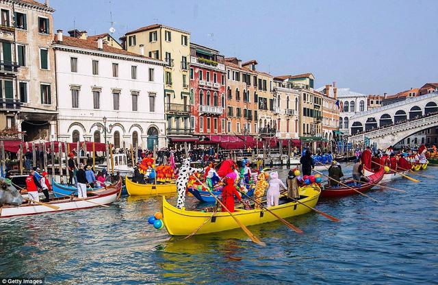 Ấn tượng lễ hội hóa trang Venice 2018 - Ảnh 4.