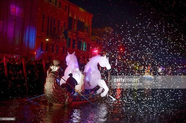 Ấn tượng lễ hội hóa trang Venice 2018 - Ảnh 5.
