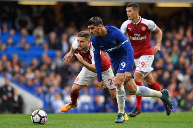 ẢNH: Nhìn lại 10 trận đấu giữa Arsenal và Chelsea - Ảnh 10.