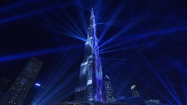 Kinh ngạc trước những con số kỷ lục của tòa tháp chọc trời giữa Dubai - Ảnh 3.