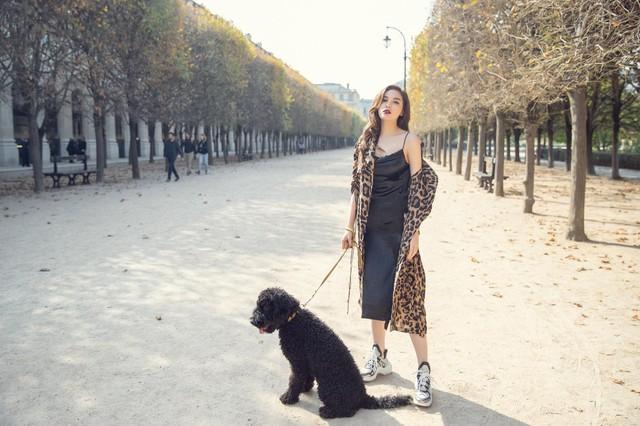 Ngắm gu thời trang cực chất của Hoa hậu Kỳ Duyên tại Pháp - Ảnh 9.