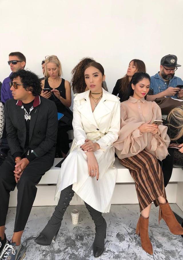 Ngắm gu thời trang cực chất của Hoa hậu Kỳ Duyên tại Pháp - Ảnh 2.