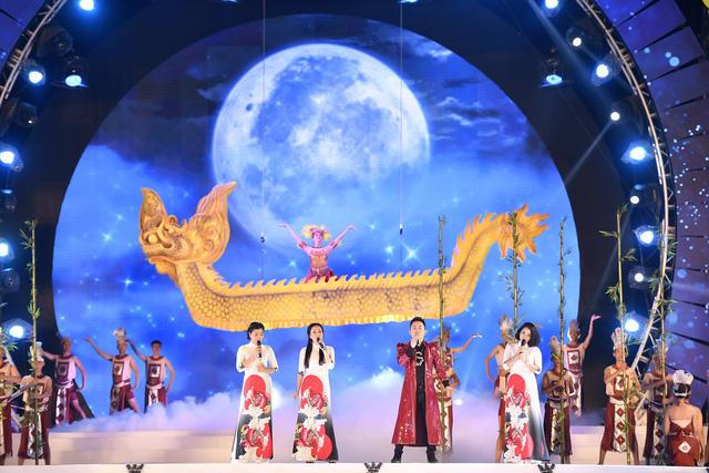 Nữ đạo diễn 8X xúc động khi tái hiện thành công hình ảnh Bác Hồ thăm Yên Bái - Ảnh 2.