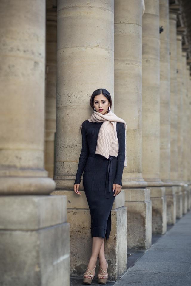 Hoa hậu Tiểu Vy khoe trọn bộ ảnh đẹp say đắm tại Pháp - Ảnh 10.